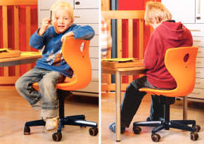 Height-adjustable swivel chair for active sitting.