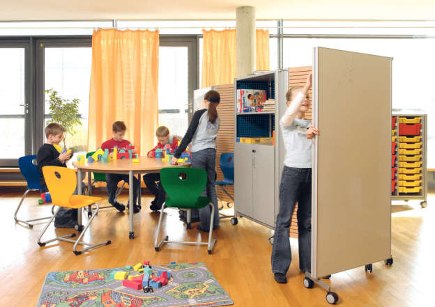 Separate play areas in no time.