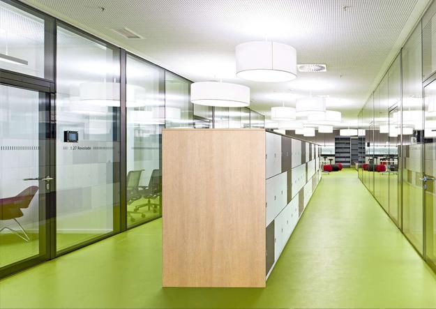 Scrivania Ufficio Dirigenziale : Vs lo spazio ufficio