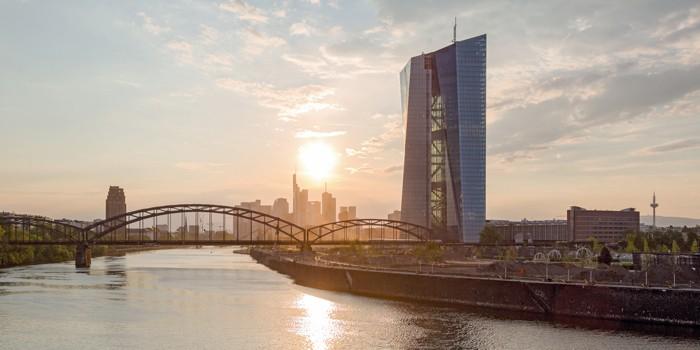 VS   Büromöbel von VS in der neuen EZB