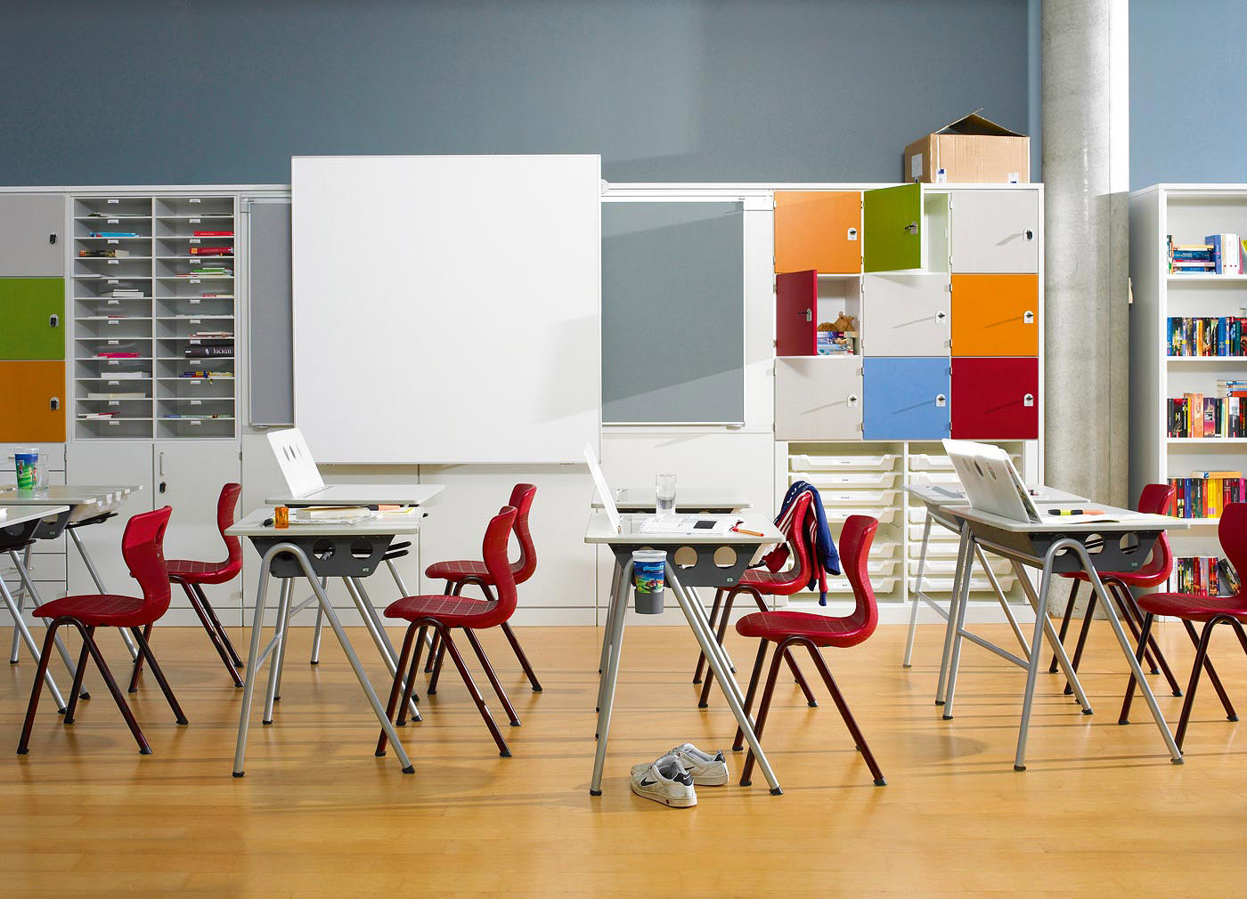 Modern Classroom Arrangement ~ Vs ergonomic school furniture